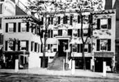 Knickerbocker Cottage on Sixth Avenue in Manhattan